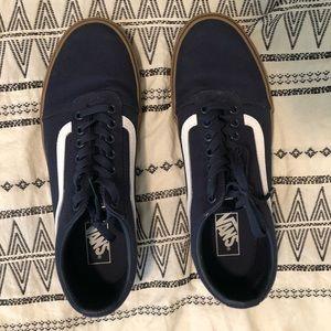2 pairs of vans